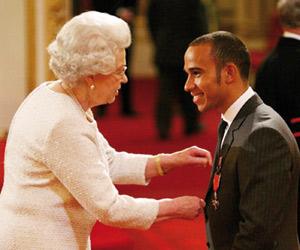 Lewis Hamilton : Anobli par la Reine