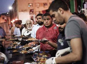 Libye : Les Tripolitains entament le Ramadan dans la souffrance