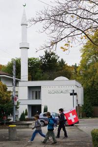 L'Islam en Europe : les minarets suisses font jaser en France