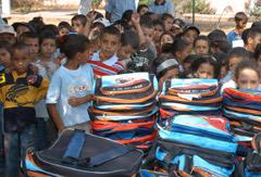 Promotion de la scolarité : Des cartables pour les élèves nécessiteux