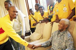 Ghana : Mandela reçoit les Black Stars avant leur retour