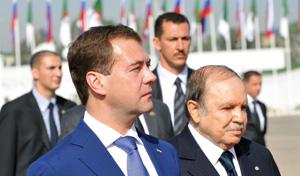 Algérie : Dimitri Medvedev à Alger pour renforcer la coopération économique