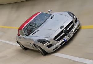 Mercedes-Benz SLS AMG : Premières photos sans le haut