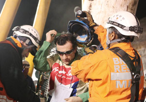 Chili : retour au foyer des 33 mineurs sauvés sous les yeux du monde