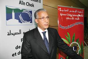 Mustapha El Azzouzi : «Le législateur doit intervenir pour permettre la greffe de la cornée»