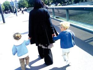 Le projet de loi anti-nounous voilées à leur domicile voté : Un nouvel acharnement contre la femme musulmane en France
