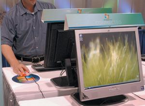 High-tech : Microsoft et Novell se mettent en partenariat