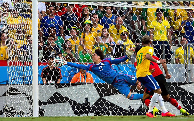 Coupe du monde Brésil 2014: Ochoa, de l'anonymat d'Ajaccio à la gloire du Mondial