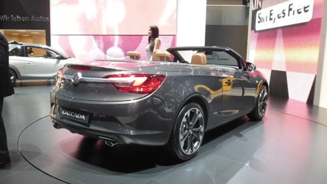 Opel : L Adam  Rocks et  Cascada