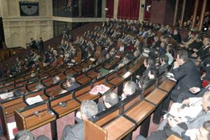 Les mécanismes de mise en oeuvre du programme animent le débat