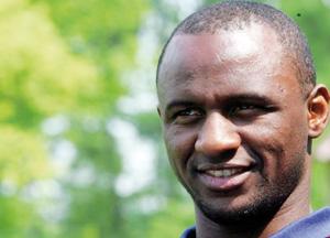 Manchester City : Patrick Vieira sur le banc à Hull