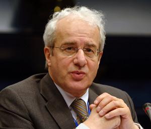 Le patronat européen salue la baisse de l'euro