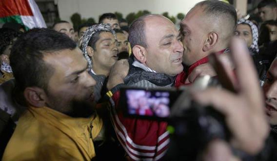 Libération de détenus palestiniens: Israël veut relancer les négociations de paix