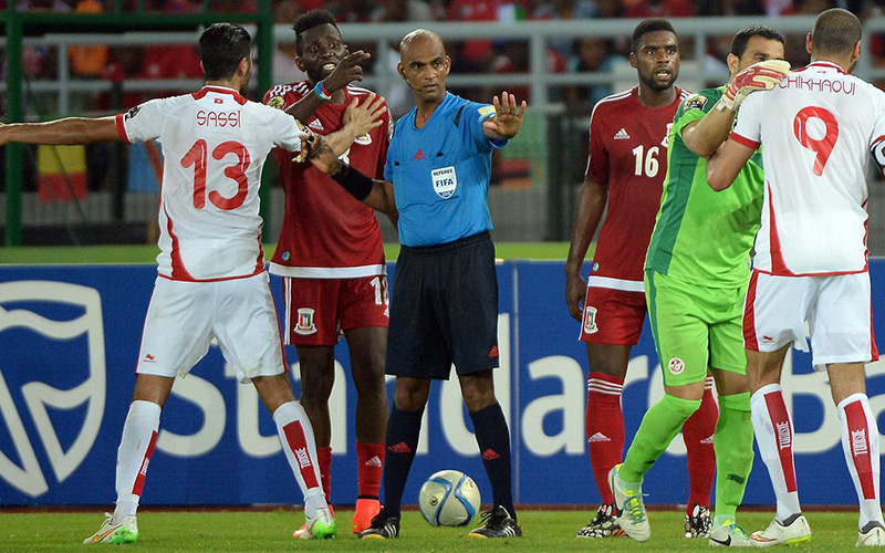 CAN 2015 : L'arbitre de Tunisie-Guinée Équatoriale suspendu six mois