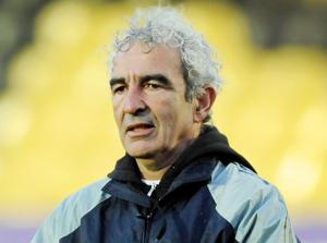 Mondial-2010 : La Fédération française de football verse 30.000 euros à Domenech