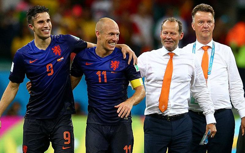 Coupe du monde 2014 : les Pays-Bas battent l'Australie et se rapprochent des 8e de finale