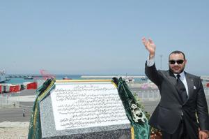 Le Souverain inaugure le port Tanger Med passagers