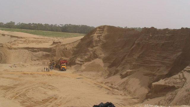 La majorité des quantités du sable écoulées actuellement sur le marché national  provient des carrières dunaires