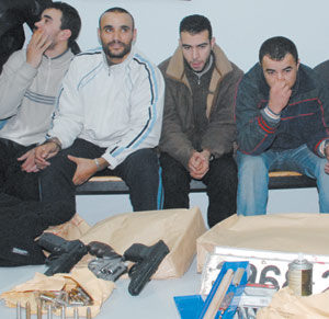 Saisie de trois revolvers chez la bande de malfaiteurs qui a braqué une banque à Mohammedia