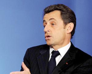 Sarkozy encaisse en silence le premier tour des régionales