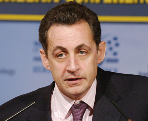 Nicolas Sarkozy entre droite dure et droite sociale