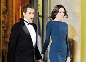 Sarkozy qualifie la rumeur sur son couple de clapotis