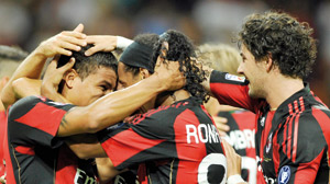 Calcio : l'AC Milan prend la tête du classement