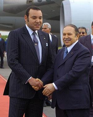 Bouteflika franchit le pas