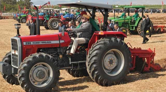 SM le Roi a choisi  la «touiza» pour lancer  la campagne agricole  sous le signe de la solidarité