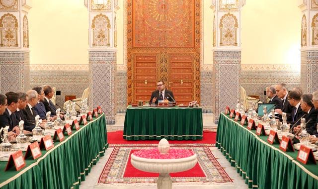 SM le Roi préside un Conseil des ministres à Marrakech