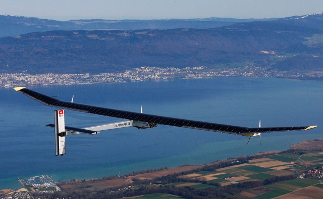 Avion Solar Impulse : Report du départ pour Madrid « à cause des vents »