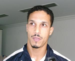 Transfert : Le défenseur Talal El Karkouri rejoint le club qatari d'Uum Salal