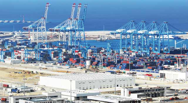Hausse de 37% de l activité conteneurs au Tanger Med