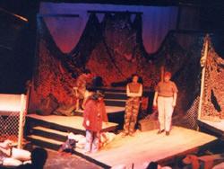Théâtre : Des troupes sans le sou