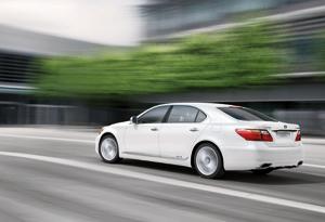 Toyota-Lexus : Bientôt une peinture régénérante