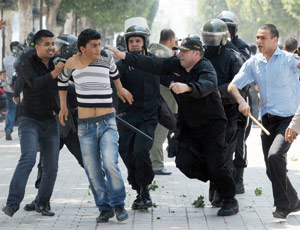Tunisie : Le gouvernement décrète un couvre-feu nocturne à Tunis