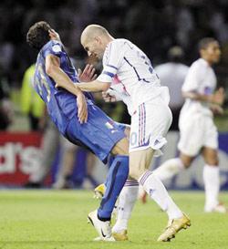 Materazzi-Zidane : sanctions symboliques