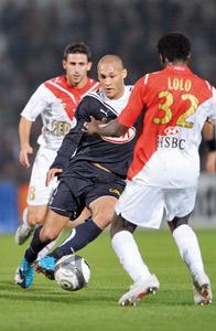 Bordeaux leader, Lyon deuxième