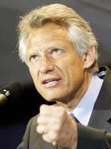 Sarkozy suspend De Villepin à un croc de boucher
