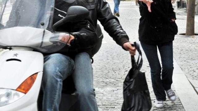 Rabat : À l arraché, ils volent un sac renfermant 200.000 DH