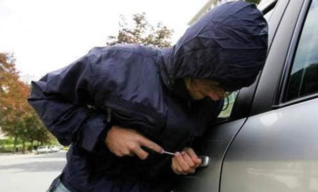 Démantèlement d une bande de voleurs de voitures et de motos