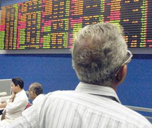 Les bourses mondiales peinent à remonter