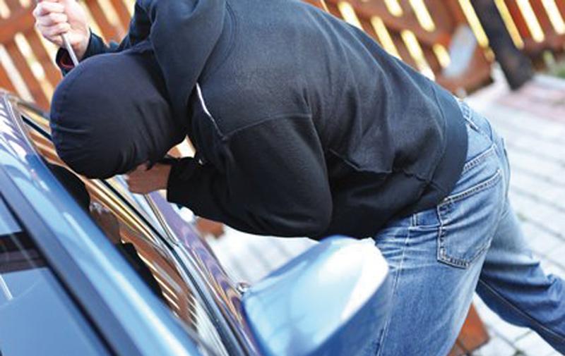 Casablanca : Arrestation de 6 malfrats, dont trois filles, pour vol d'accessoires des voitures de luxe