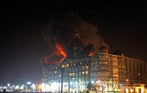 Plus de 100 morts dans une série d'attaques à Bombay