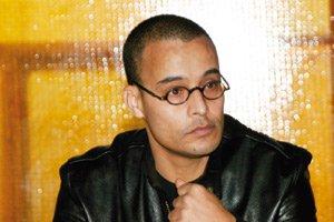 Malek Akhmiss, le féru de la scène