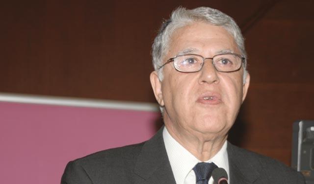 Il a fortement critiqué  les membres du conseil de la présidence : Abbas El Fassi fâché contre Taoufik Hejira