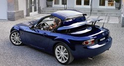 Automobile : Mazda : le roadster MX-5 durcit son toit