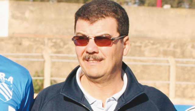Le KAC de Kénitra se sépare de son entraîneur  Abdelkader Youmir