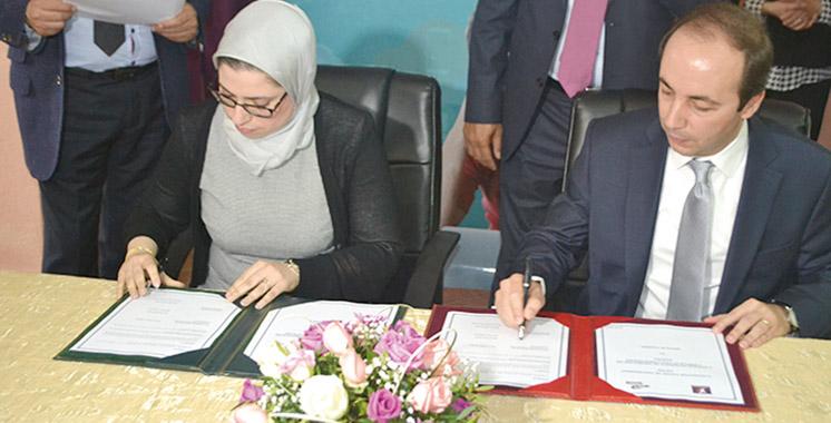 Une quinzaine de conventions signées au lancement de la semaine emploi à Tanger: 6.200 emplois à l'horizon 2017