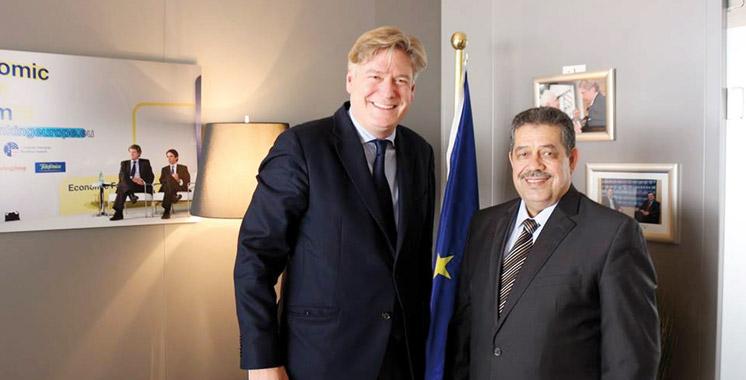 Parlement européen: Chabat s'entretient à Bruxelles avec le chef  du groupe du PPE